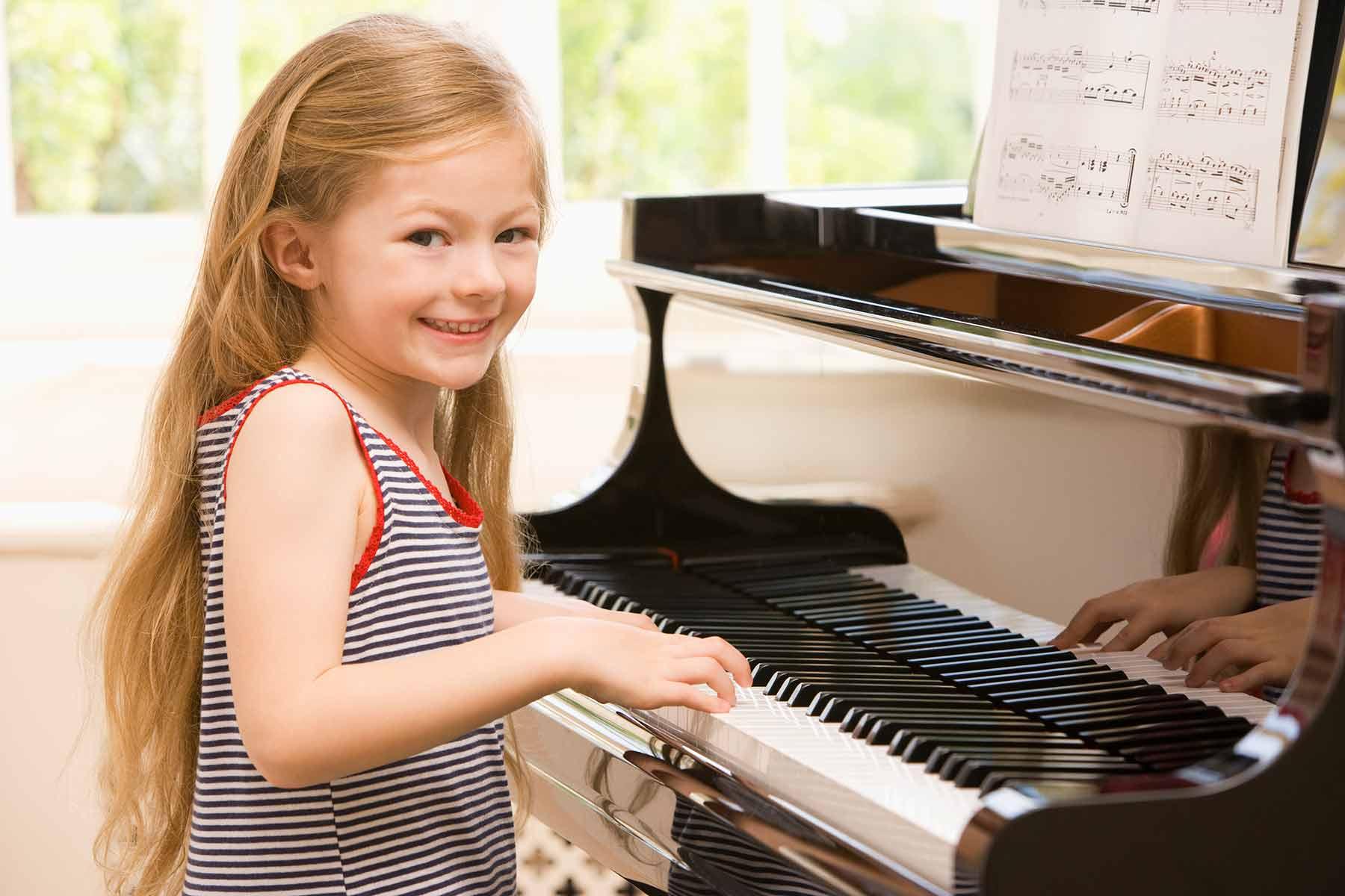 wie kann man kind zum klavierlehrnen motivieren klavierunterricht in d sseldorf. Black Bedroom Furniture Sets. Home Design Ideas